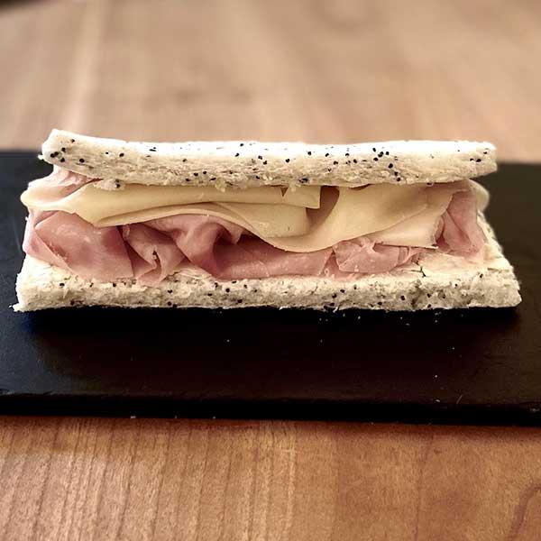 Sándwich de jamón y queso Harina