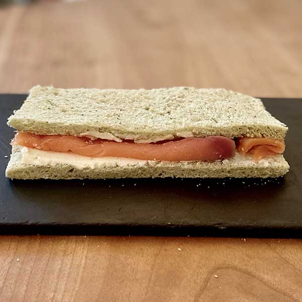 Sándwich de salmón y queso Harina